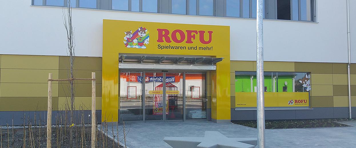 S&S Werbung, Regensburg: Jede Menge Außenwerbung für Rofu Kinderland