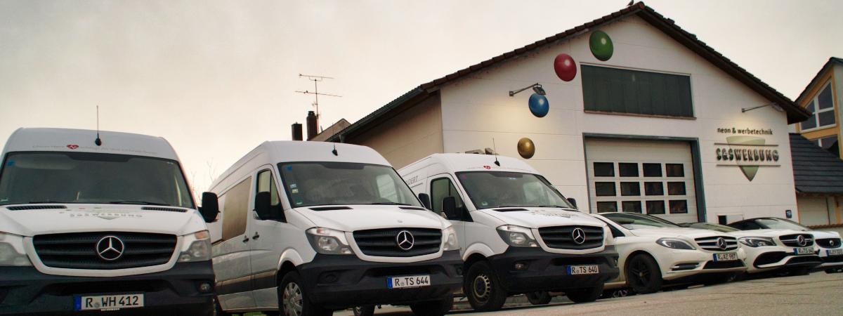 """S&S Werbung, Regensburg: Unser neuer 5 ½ """"STERNE""""- Parkplatz!"""